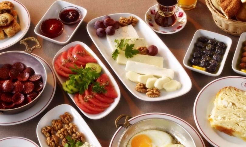 Kahvaltı Sofrası Nasıl Hazırlanır